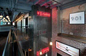 Bar Deco entrance